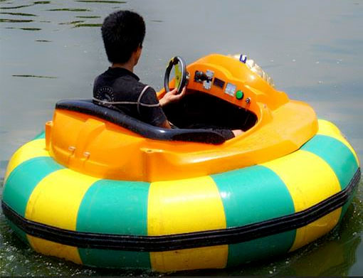 Water-bumper-boats-for-pool-for-adults