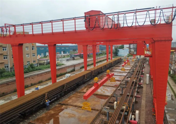 Sale of metallurgical bridge crane foundry in China